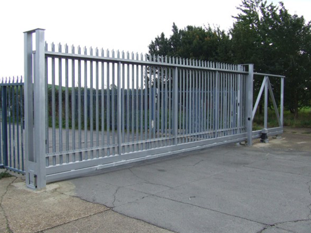 INDUSTRIAL GATES AND FENCING