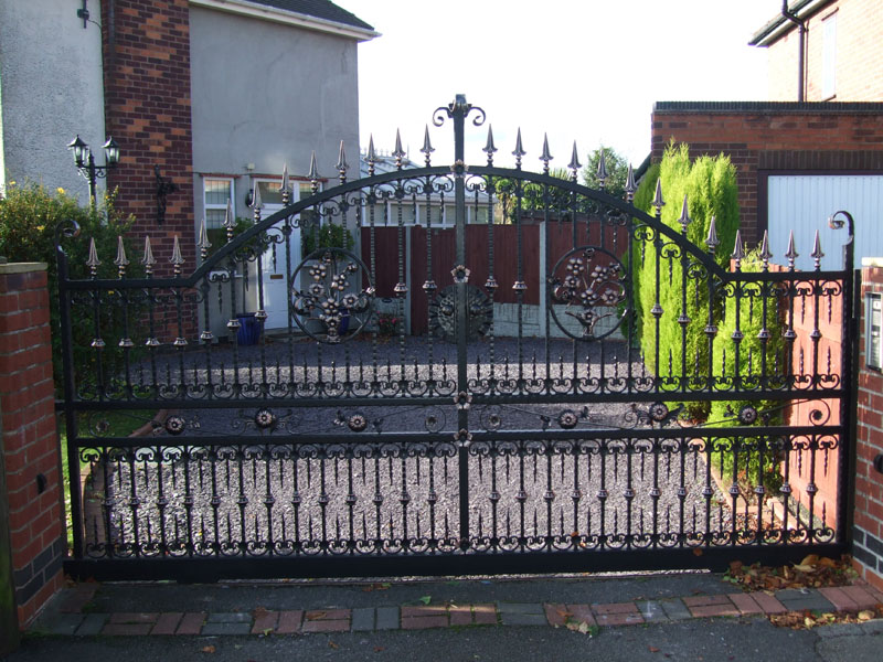 Automated Swing Gates by Leeds Electric Gates